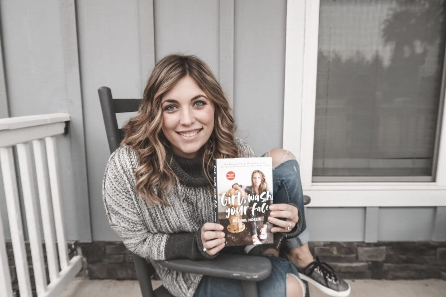 Yes I'm a Conservative Christian and Yes I am a Rachel Hollis Fan