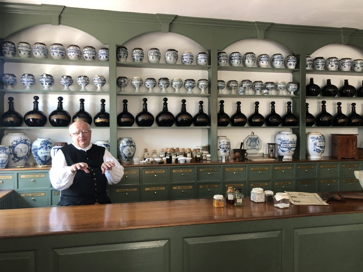 colonial snacks and apothecary in Colonial Williamsburg