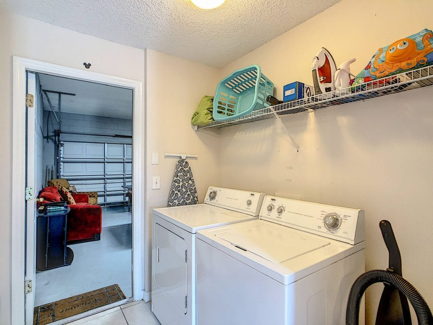 laundry room for guests staying at vacation rental home in Orlando florida near Disney World theme parks