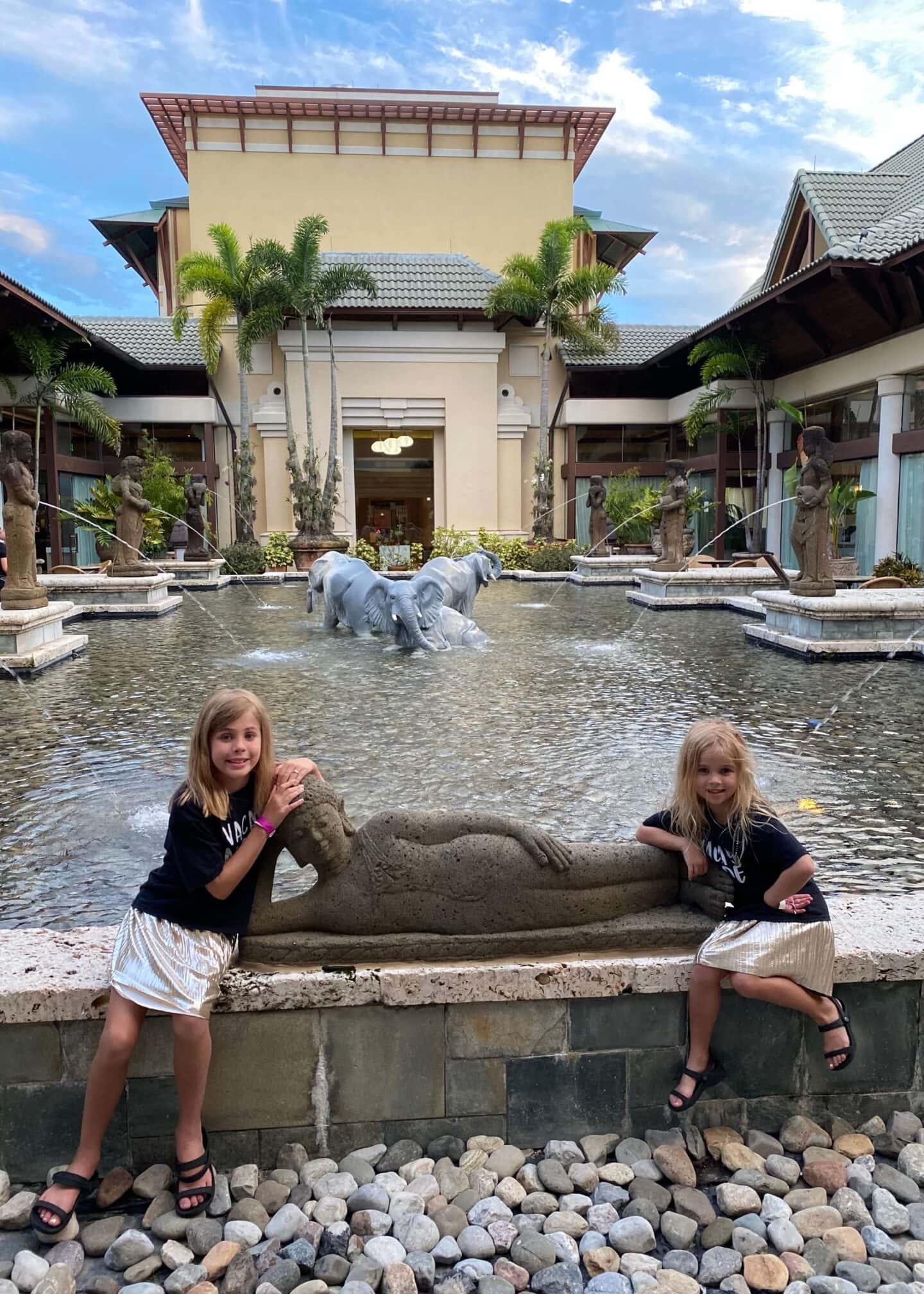 universal Loews pacific royal resort  Travel Guide for Universal's Loews Royal Pacific Resort.