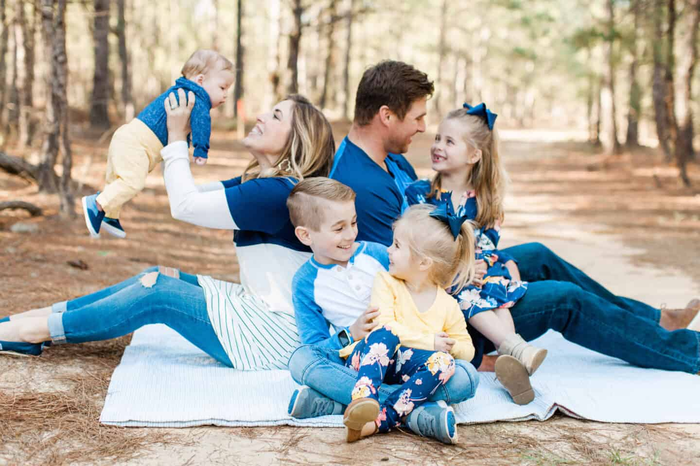 Best Summer Family Photo Ideas - What to Wear and More!