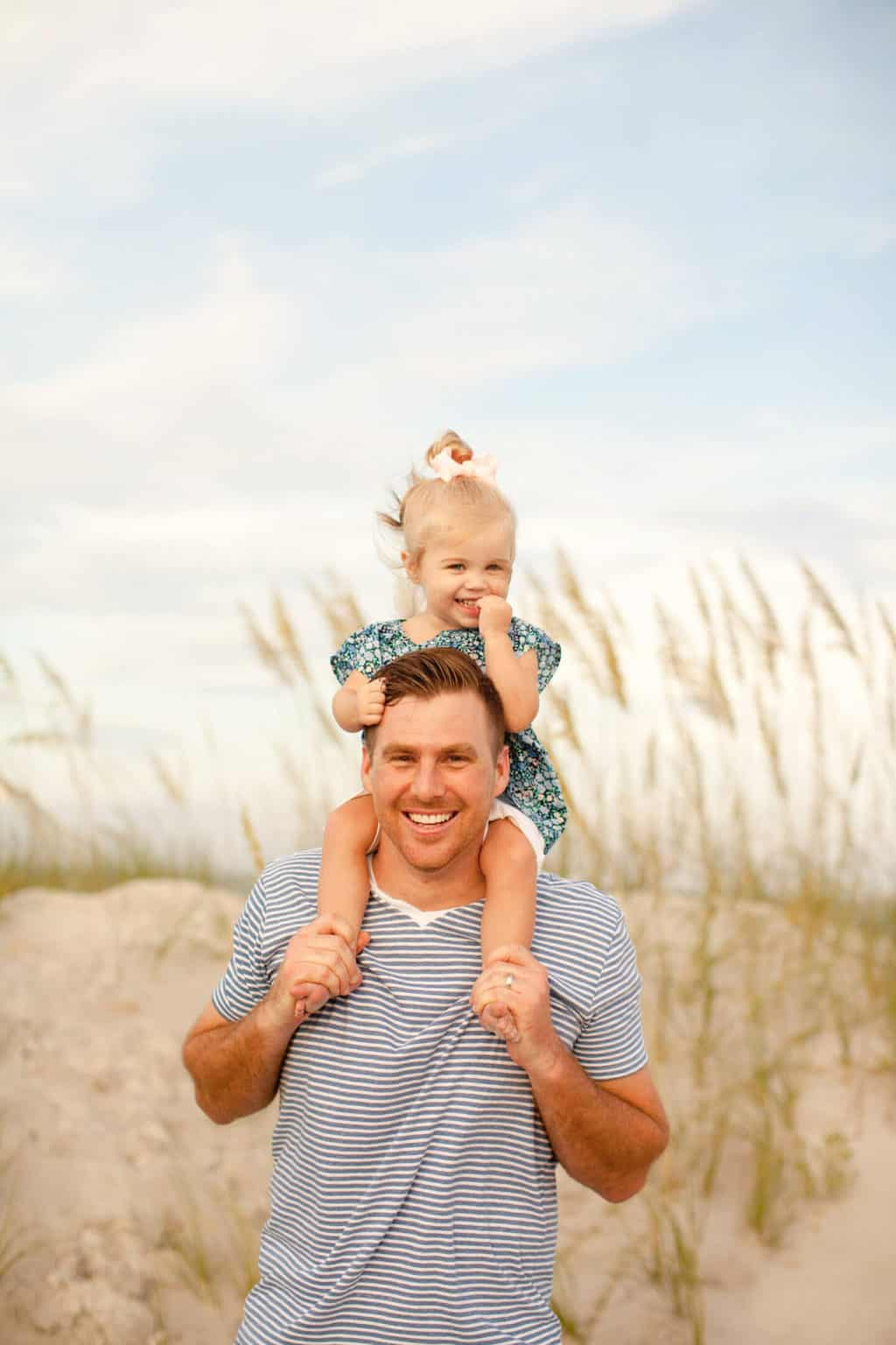 father and daughter beach photos