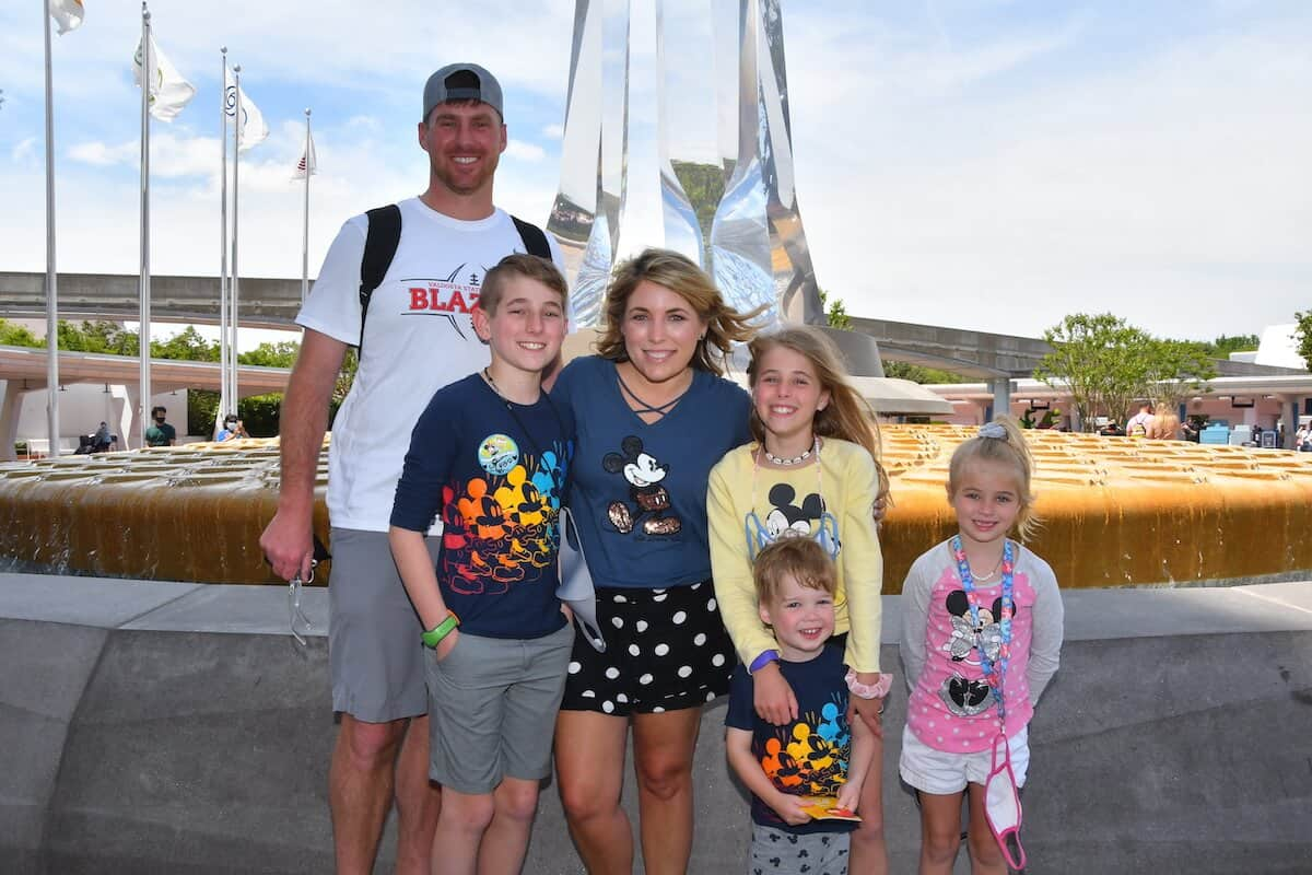 Epcot height requirements at Walt Disney World